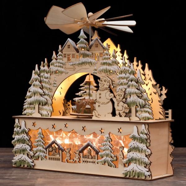 Weihnachtsleuchter mit Pyramide, Weihnachtsmarkt im Winterwald, warmweiße LEDs