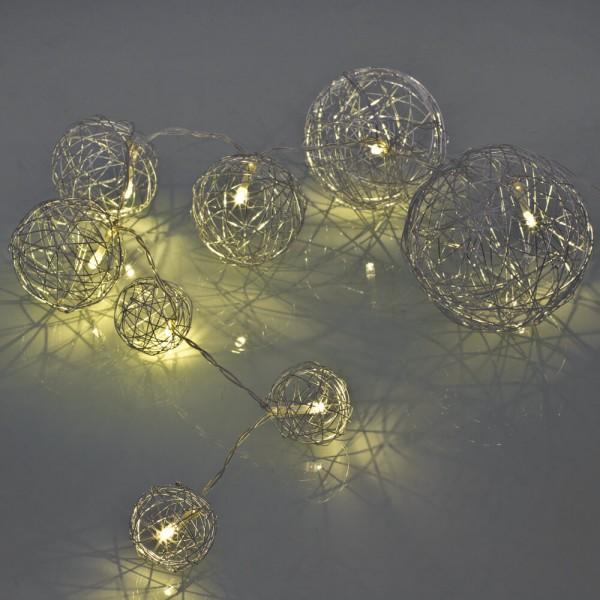 LED-Minilichterkette, silber, L 85cm, 8 warmweiße LEDs, Drahtbälle
